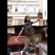 【閲覧注意】この見せしめで首切り落とされてる男の子、12歳なんだってよ・・・ ※グロ動画