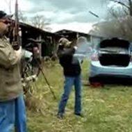【衝撃映像】ライフル処女の子が射撃してたら弾詰まりして暴発したんだがw