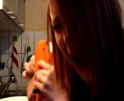【閲覧注意】アカンこれは見ててゾッとするw電動ミキサー髪の毛引っ掛けちゃったたへぺろな女の子 サボテンの山に突撃したったw 他 ※動画