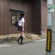 【無修正】女子校生がスタンガンで脅されレイプされる事案発生