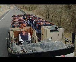 【金曜グロ劇場】バスに乗っていた高校生達全員が首切断されて死ぬシーンでお漏らしする奴はグロ耐性0な! ※グロ動画