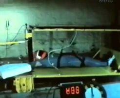 【人体実験】車の衝突実験で使われてるのが人の死体だった場合はこうなる→全身ぐにゃぐにゃでこれ絶対死ぬやつやんw ※衝撃映像