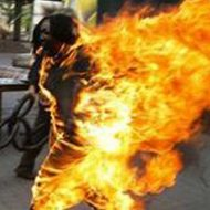 【土人国家】泥棒さんが生きたまま焼き殺される私刑映像 もがき苦しんでる姿が超絶閲覧注意 ※グロ動画