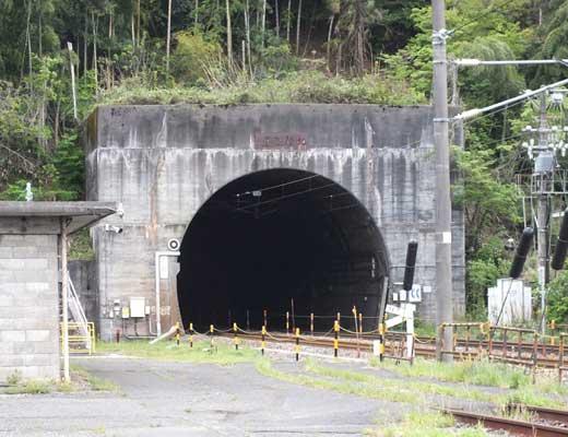 北陸トンネル風景写真