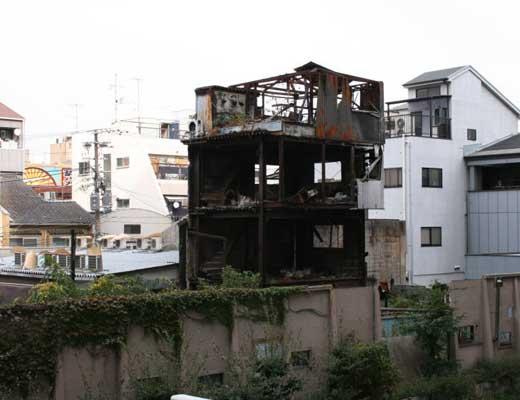 首吊り廃墟風景写真