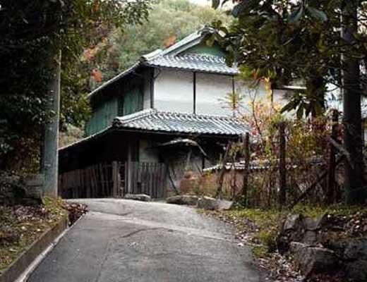 御札の家風景写真