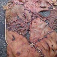 【閲覧注意】女性の死体の皮剥いで手袋、エプロン、乳首ベルト作ったけど欲しい???
