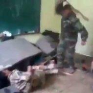 【イスラム国】これは殺された仲間の分!ドゴッ!! 生け捕りにしたISIS兵を殴りまくるボーナスタイム発動中www ※衝撃映像