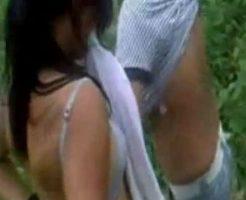 【裸いじめ】男子「早く脱げよ!おっぱいぐらい見せれるよね???」→少女服脱ぎでカメラパシャりwww ※無修正エログロ動画