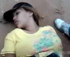 【本物レイプ】やほおぃ!ビーチで寝ている少女さん発見wすぐ拉致→パイパンマンコ頂きますwww ※無修正エロ動画