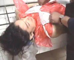 【グロ動画】検死解剖での女の死体は全裸にした後きっちり下着を穿かすのが紳士の務めだった模様w