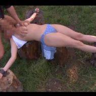 【レイプ動画】強姦魔に森へ連行されたポニテ美女さん とんでもない拘束されて犯されとるんやがw ※無修正