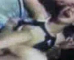 【本物レイプ】叫び声上げながら逃げようとする女の子を強姦魔集団が輪姦していくマジで怖い映像がコレ・・・ ※無修正エロ動画