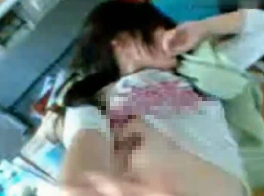 【本物ロリ】リアル学生カップルのハメ撮り流出映像 ラブホ使えないからって教室内でセックスするとかw ※無修正エロ動画