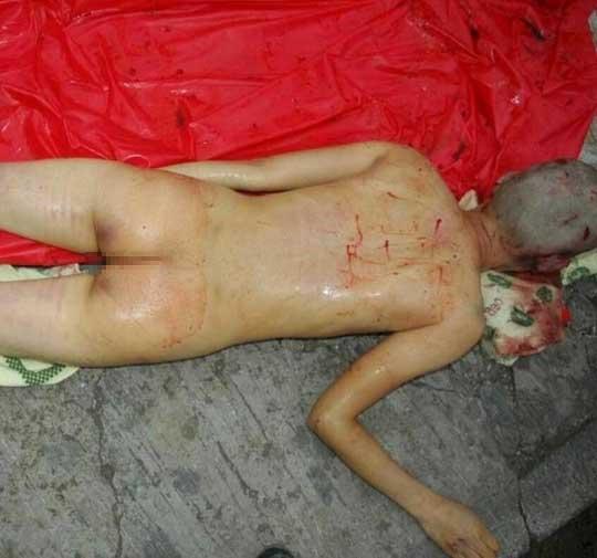 全裸 女性 死体 グロ画像