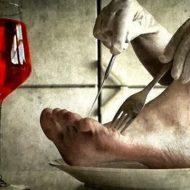 【カニバリズム】男「元カノをスープにして食べました」 発見されてしまった女の死体グロ画像・・・
