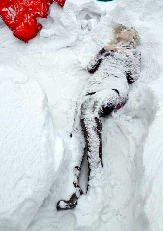 ロシア美女凍死死体