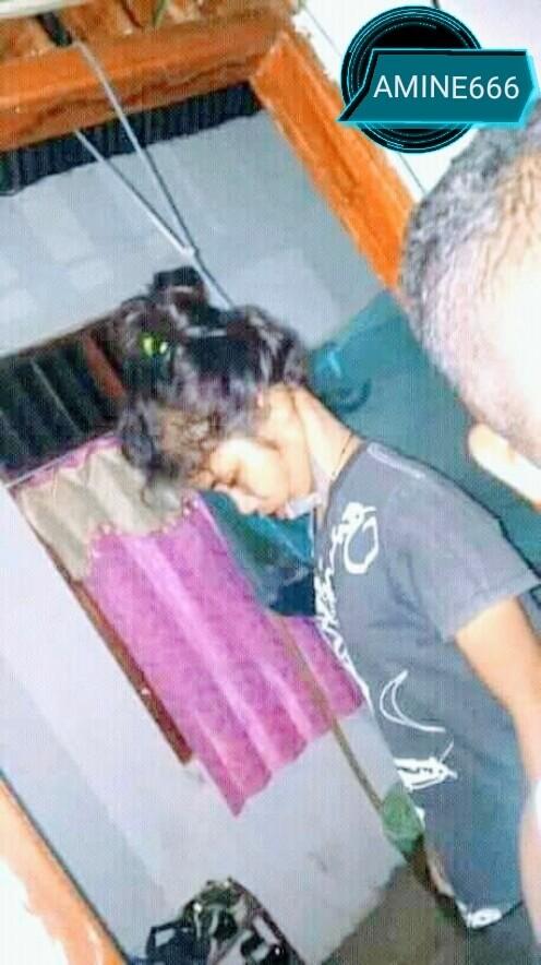 18歳少女の首つり自殺グロ画像