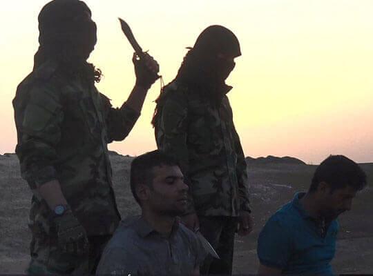 【isis グロ】イスラム国 丸腰のイラク警察官をヘッドショットで見せしめに・・・