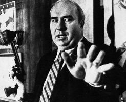 【閲覧注意】生放送中にリボルバーを取り出し引き金を引く 自殺中継された政治家「ロバート議員」
