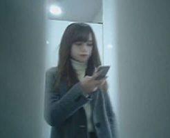 【トイレ盗撮】超美人な女子大生がおしっこしてるところに密着してみたw