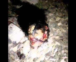 【グロ画像】胸糞注意 レイプされた少女が電車に轢き殺されてバラバラになってる現場・・・