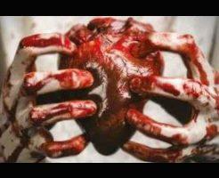 【グロ動画】死体の胸を開いて心臓をむしり取っていく ブラジル刑務所内暴動映像・・・