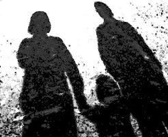 【一家心中】4人の子供と一緒に家族が線路に飛び込む  6人が轢断されてる光景が地獄絵図過ぎる・・・