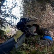 【神動画】凄過ぎワロタ プロのサバゲープレイヤーの目線にカメラ付けるとこうなるwww