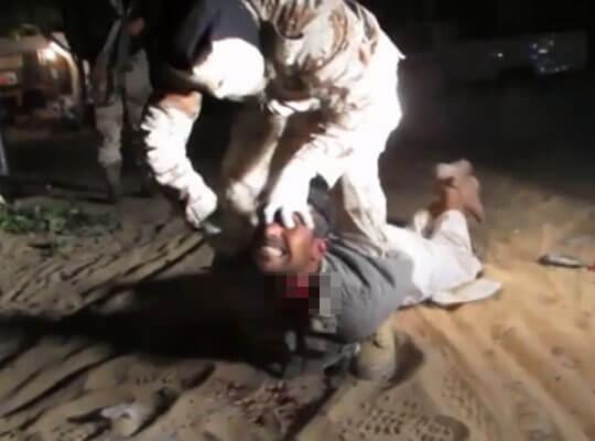 【isis グロ】イスラム国がエジプトで起こした残忍な処刑映像まとめ 機関銃でハチの巣 ナイフで斬首のオンパレード