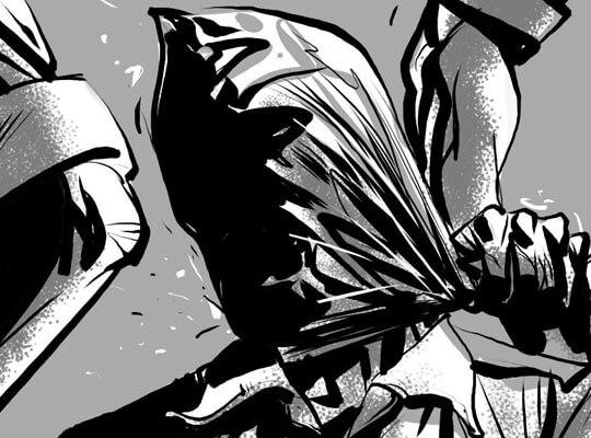 【拷問】捕まった少年盗賊団 リンチされた後ラップグルグル巻きの刑に処される・・・