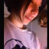【jk エロ】ハーフっぽい童顔女子校生が彼氏に送ったエロイプが流出 ロリマンコくぱぁ~しながらオナニーしとるw ※無修正