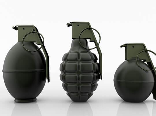 【閲覧注意】生きたまま手榴弾のピンを引いて上に覆い被さってみたらこうなる・・・
