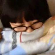 【jc エロ】即削除注意 中学生っぽいメガネ少女のハメ撮り映像が流出w みんな急げ!!!! ※無修正
