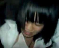 【レイプ動画】巨乳JKが同級生から性的いじめを受けている個人撮影映像 服を脱がしておっぱいを揉みまくってる・・・