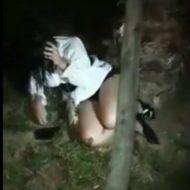 【衝撃】酷すぎる女のいじめ 勢いよく殴る蹴る 棒で頭を叩きつけててヤバ過ぎる・・・
