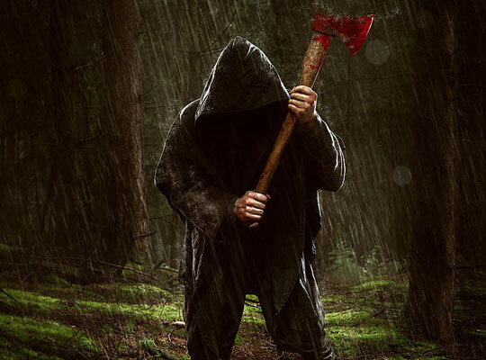 【処刑】拘束された裸の女と男達 カルテルに斧で耕される・・・