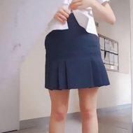 【jk エロ】欲求不満の女子校生さん トチ狂って学校内でエロ自撮りしてしまうwww ※無修正