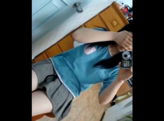 【jk エロ】カメラが趣味の黒髪女子校生さん おっぱいを揉み揉みしてエチエチな動画を撮影してたwww