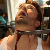 【閲覧注意】生きたまま首をギコギコ切られていく男性 痛みで歪む表情が怖すぎる・・・