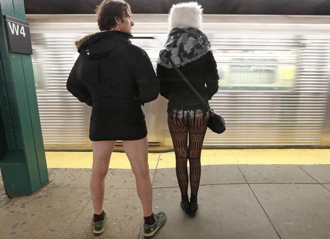 1月13日に世界中で行なわれた『パンツを穿かずに地下鉄に乗ろうよ運動』って知ってる?そのカオスな様子がコチラ…