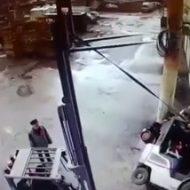 この事故動画に映ってる誰かが命を落とす…ってお前が死ぬんかい!!!