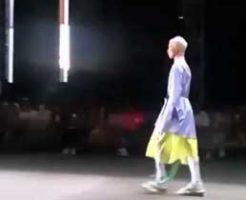 model-dies-on-catwalk