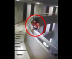 夢遊病?自殺?5歳の女の子がフェンスをよじ昇り11階から飛び降り→骨折で済んだってマジ?奇跡過ぎると話題に…