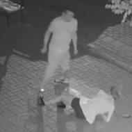 若い女性の頭をおもいっきり蹴飛ばして殺害か…レイプ目的と思われる男の犯行動画が公開