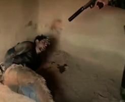 【悲報】ISISの新しい処刑方法が急に地味になる…ネタ切れか?
