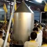 巨大な人間蒸し器に入ってグツグツ煮込むこと30分…しっかり調理された人間の死体のできあがりでい!!