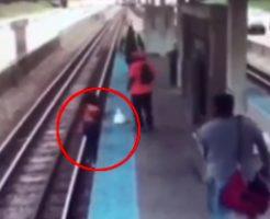 まんさん「スマホを線路に落とした!拾わなきゃ!」→グズグズしてるうちに電車に轢かれる人身事故
