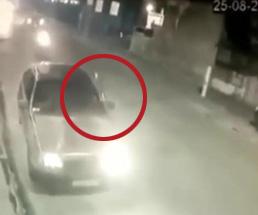 これはひどい…後方確認をせずに車のドアを開けてしまった結果…