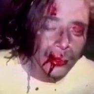ギャングに尋問された男が突き刺されて殺される一部始終…